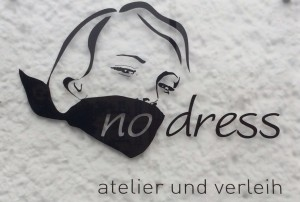 no_dress_logo
