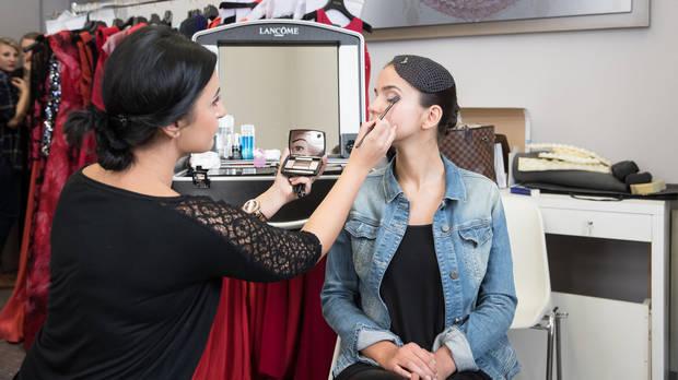 cinnamon Hostess mit Lancome Make-up für die KURIER ROMY GALA 2017