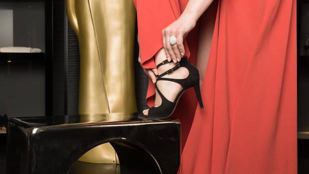 cinnamon BLAQ© premium Hostess mit KURIER ROMY GALA 2017 Schuhen von Salamander